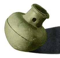 Hrazany - závěsná miniaturní bronzová nádobka z 2. - 1. století, zvaná balsamarium, sloužící pro uchovávání vonných látek.