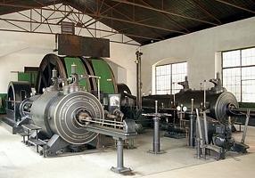 Parní těžní stroj ve strojovně dolu Anna