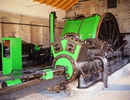 Parní těžní stroj ve strojovně dolu Vojtěch